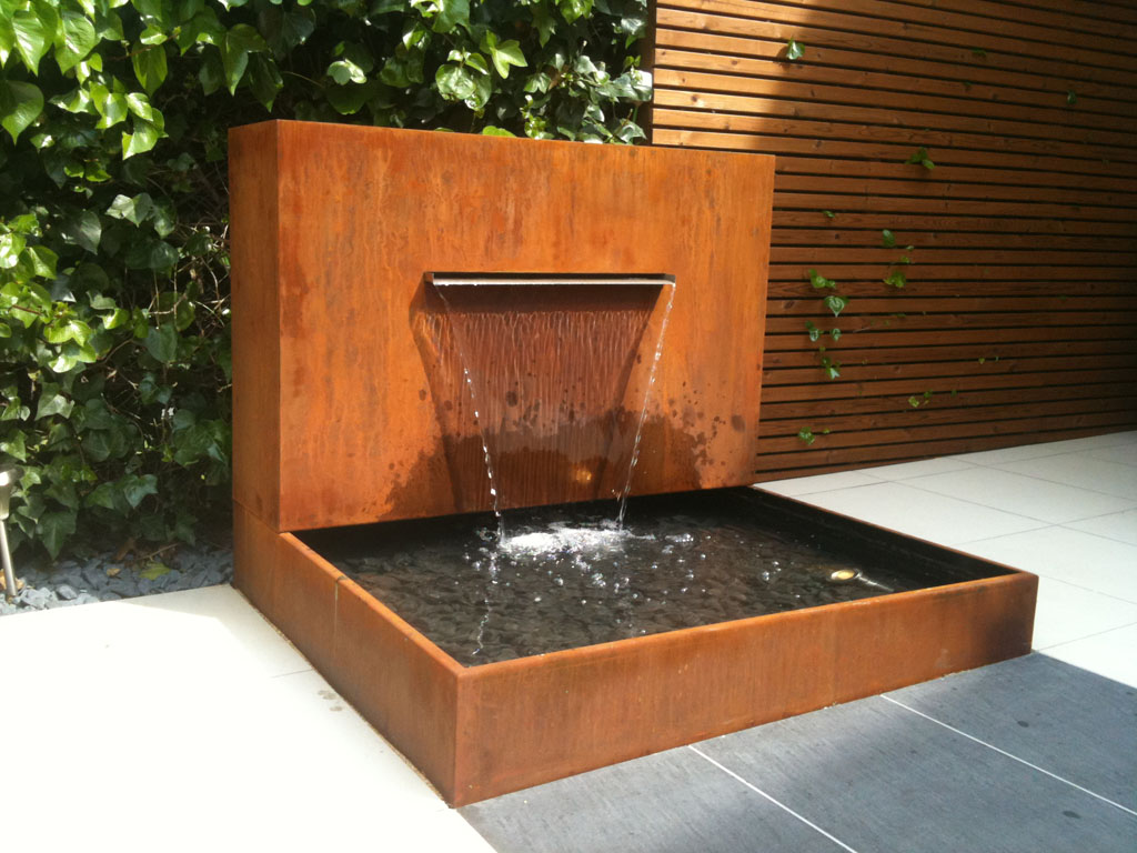 Jardines de agua y luz un jardin para mi for Cascadas artificiales para jardin
