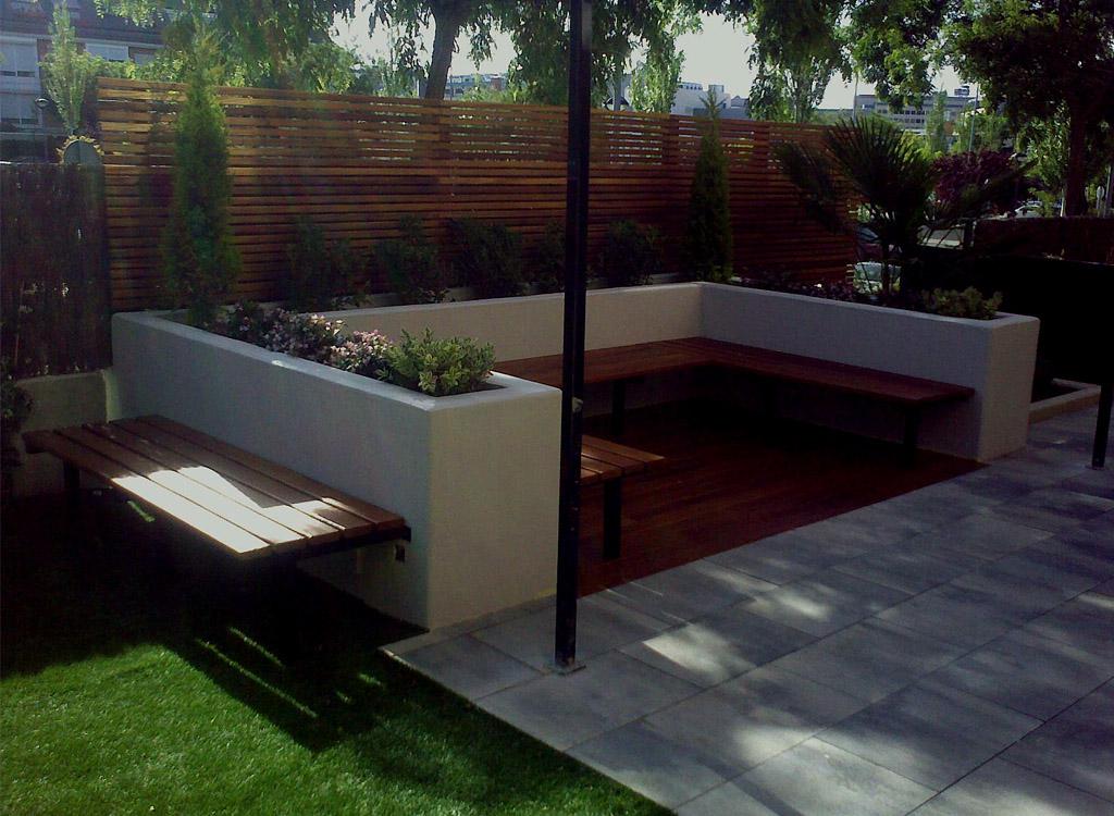 Jard n muy familiar en las rozas un jardin para mi for Disenos jardines pequenos modernos