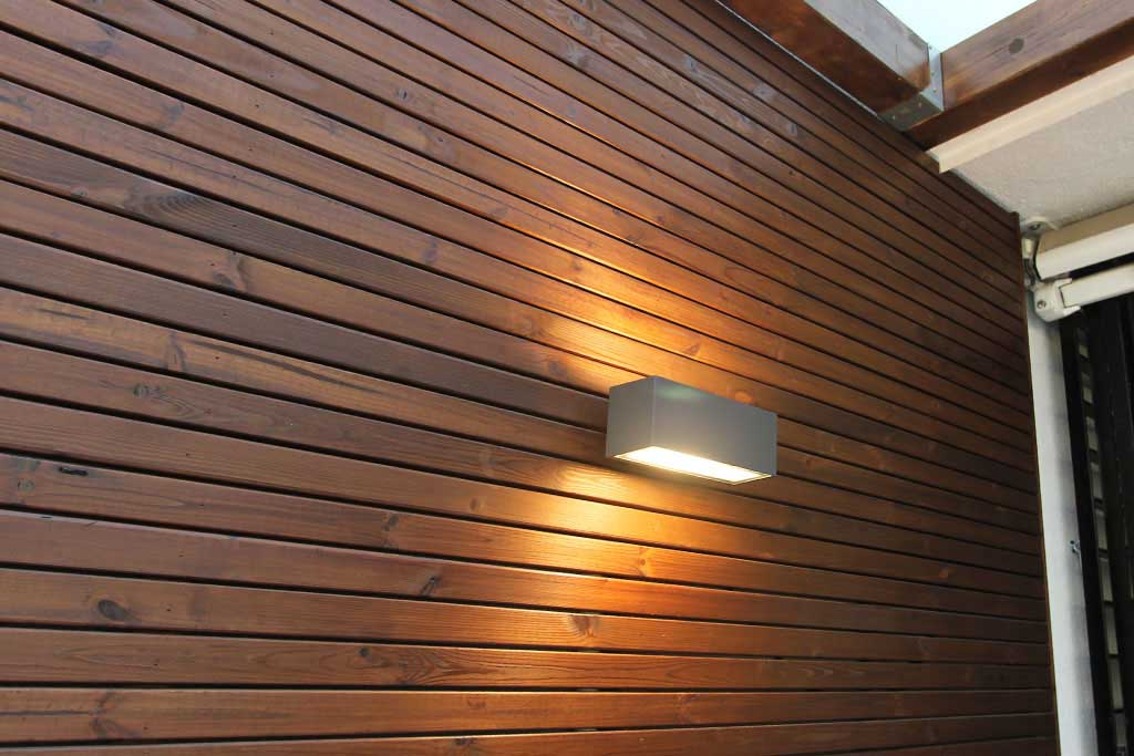 Celosias terrazas aticos terraza con prgola bioclimtica for Celosia madera jardin