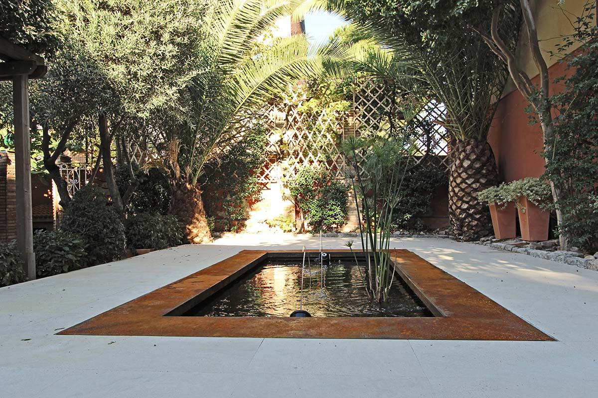 El acero corten en la decoraci n de exteriores un jardin for Estanques pequenos