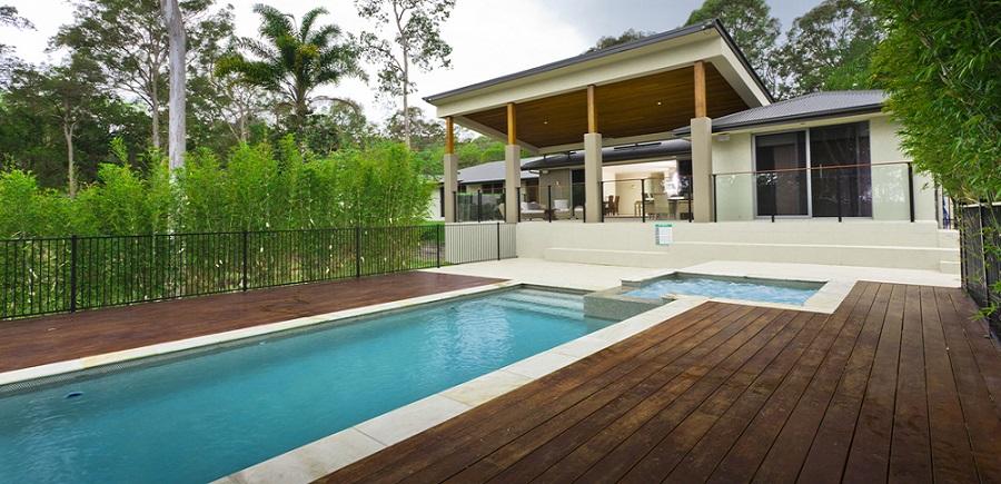 Dise o piscinas un jardin para mi for Fotos de piscinas modernas en puerto rico