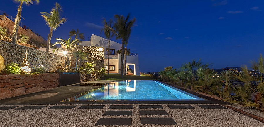 Iluminacion-de-piscinas