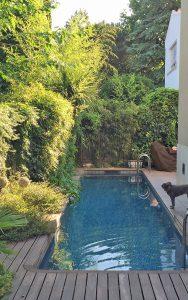 Diseño jardín pequeño con piscina